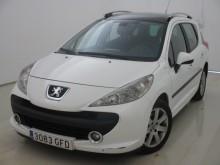 automobile familiare Peugeot usata