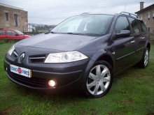 carro berlina Renault usado