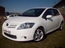 carro berlina Toyota usado