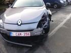 samochód kombi Renault powypadkowy