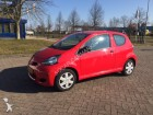carro Toyota Aygo 1.0 12v Aspiration Red Navigator