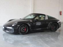 Porsche 911 TARGA 4 GTS car