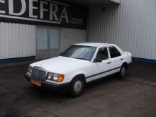 Mercedes 260 E-Klasse E Aut. ,Airco, Pulman, standkachel car