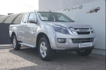 Isuzu D-MAX car