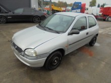 automobile Opel Corsa 1.3