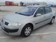 automobile berlina Renault usata