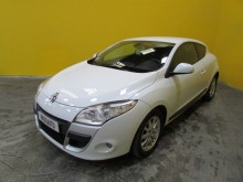 used Renault coupé car