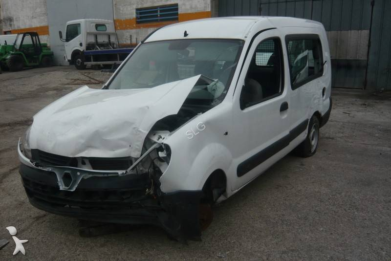 voiture citadine accident e renault kangoo gazoil. Black Bedroom Furniture Sets. Home Design Ideas