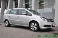 automobile Opel Zafira