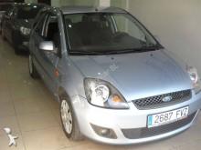 carro berlina Ford usado