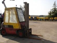 carrello elevatore da cantiere Linde 2T
