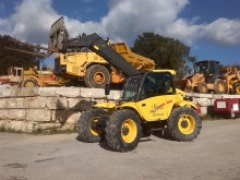empilhador de obras New Holland LM630