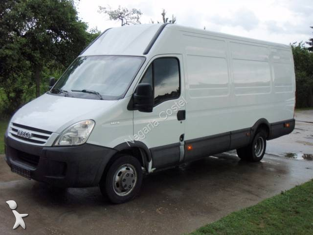 fourgon utilitaire iveco daily 35c15 occasion n 1025775