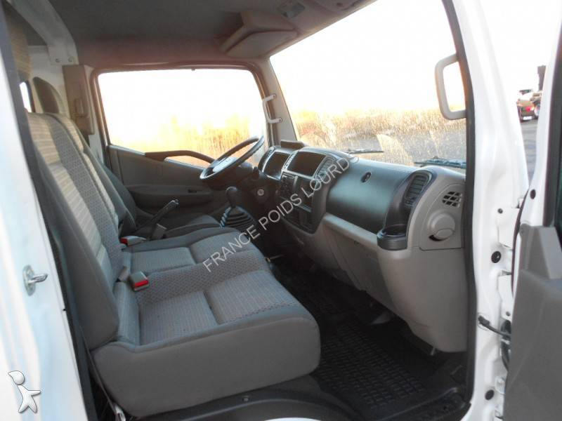bilder transporter leicht lkw nissan kipper bis 7 5t. Black Bedroom Furniture Sets. Home Design Ideas