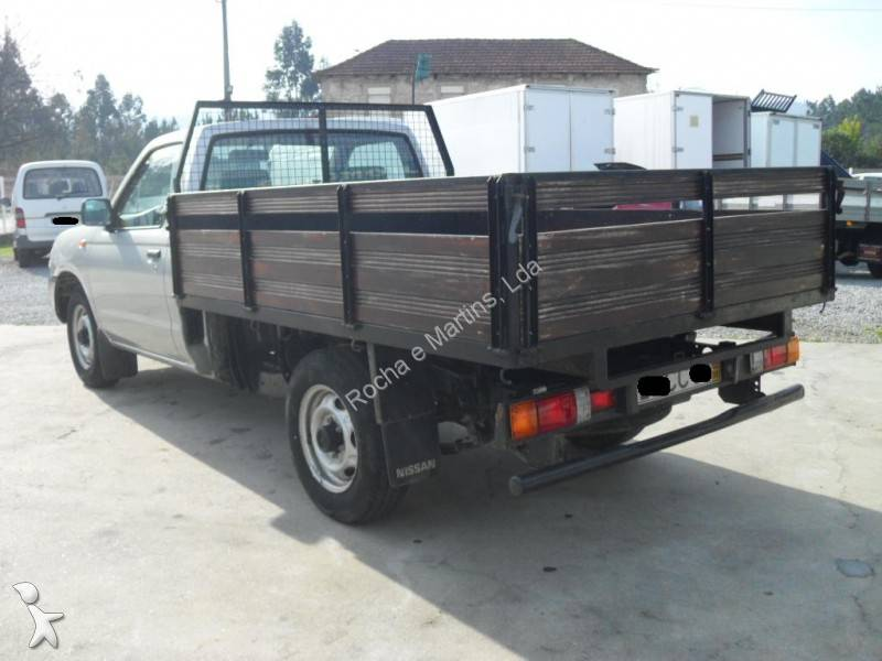 utilitaire plateau nissan ridelles pick up pick up 2 5 4x2 occasion n 505189. Black Bedroom Furniture Sets. Home Design Ideas