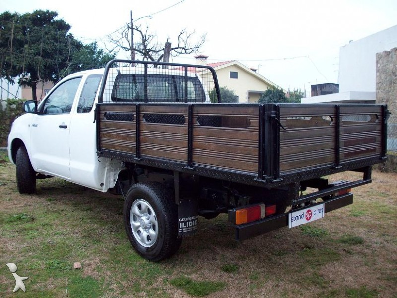 utilitaire plateau toyota ridelles hilux 2 5 d 4d occasion n 492657. Black Bedroom Furniture Sets. Home Design Ideas
