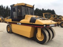 compactador Caterpillar PS300B