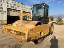 compacteur Caterpillar CS76XT