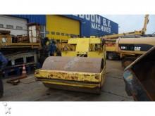 Sakai SV100 compactor / roller