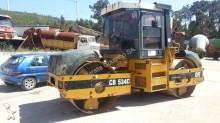 compactador monocilíndrico Caterpillar usado