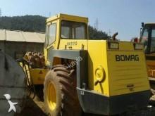 compactador con rodillo de patas Bomag usado