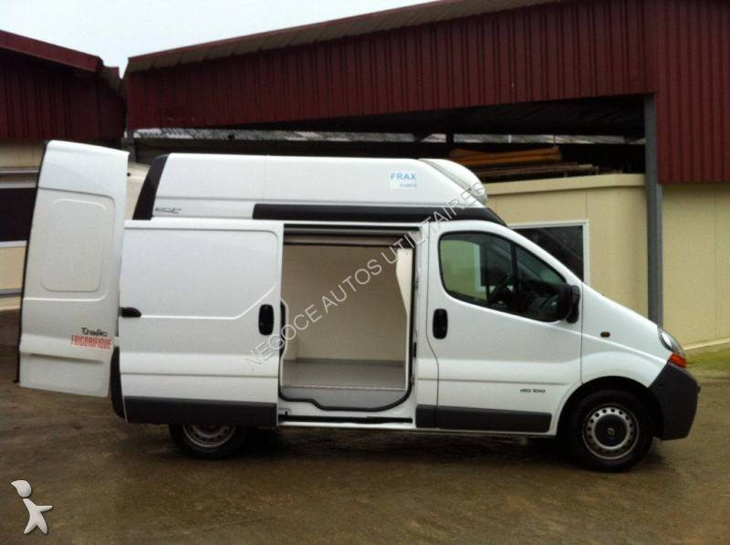 renault occasion utilitaire lyon location camion avec chauffeur trafic m louer. Black Bedroom Furniture Sets. Home Design Ideas