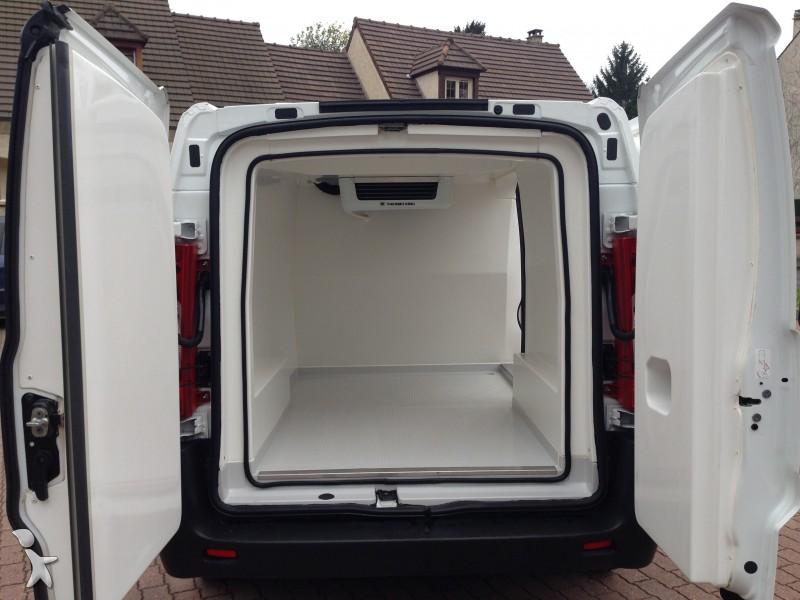 utilitaire frigo peugeot caisse positive expert 1 6l hdi 90 cv nc neuf n 797122. Black Bedroom Furniture Sets. Home Design Ideas