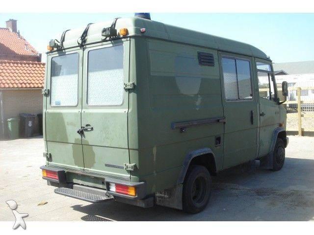 ambulance mercedes 609d ambulance nieuwstaat occasion n 190982. Black Bedroom Furniture Sets. Home Design Ideas