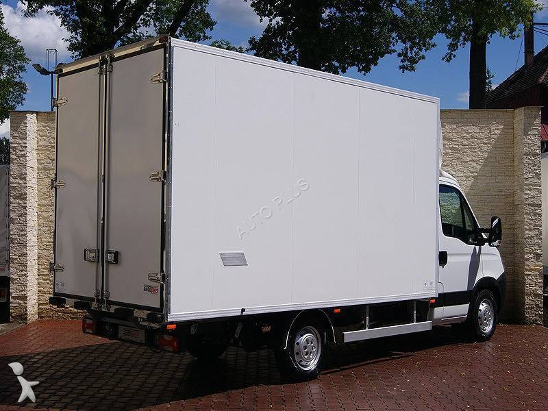 Utilitaire monte meubles iveco daily 35s14 occasion n 568551 for Monte meuble occasion belgique