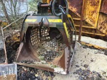MB Crusher tiltable ditch cleaning bucket
