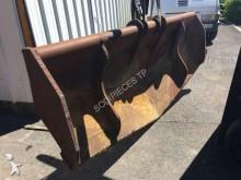 Morin trapezoidal bucket