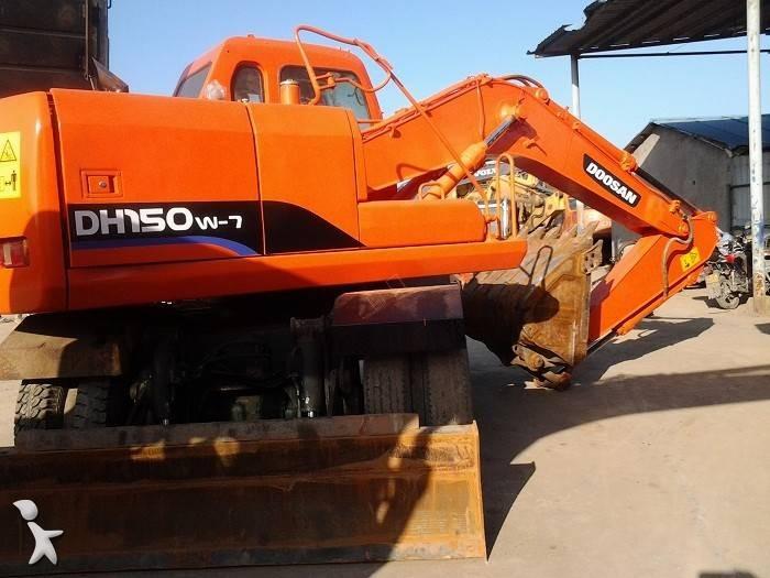Doosan DH150W-7 excavator