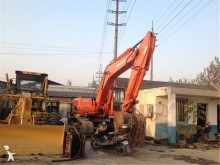 escavatore cingolato Doosan
