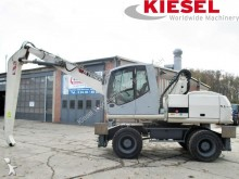 pelle de manutention Terex