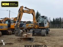 escavadora sobre pneus Liebherr