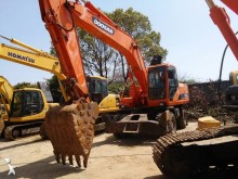 escavadora sobre pneus Doosan