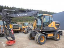 graafmachine op banden Volvo