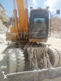 escavatore gommato JCB