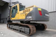 escavatore intermediario strada/rotaia Volvo