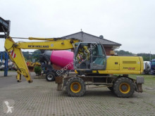 pelle sur pneus New Holland