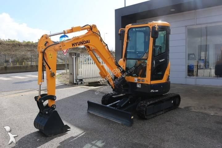 Escavadora Hyundai Robex 25Z-9AK