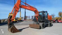 escavatore gommato Hitachi