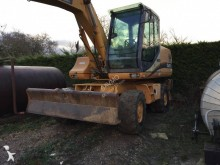 escavatore gommato Case-Poclain