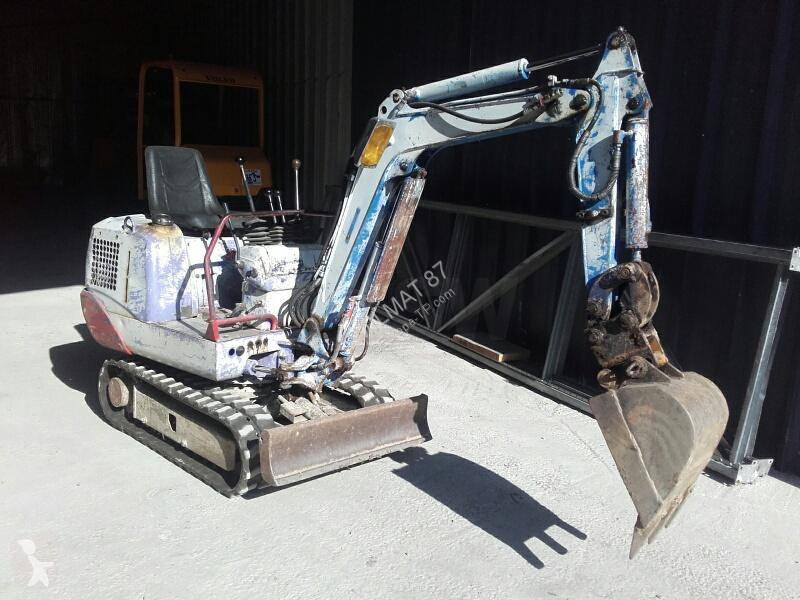 Vedeţi fotografiile Excavator Hitachi