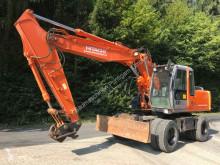 excavator pe roti Hitachi