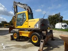 Vedere le foto Escavatore Volvo EW140B