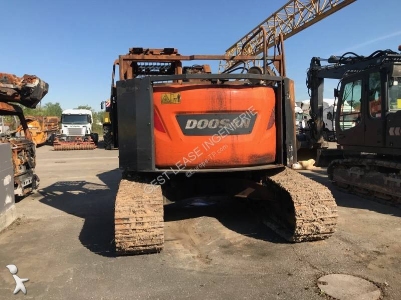 damaged doosan dx235 lcr track excavator dx 235 lcr n. Black Bedroom Furniture Sets. Home Design Ideas