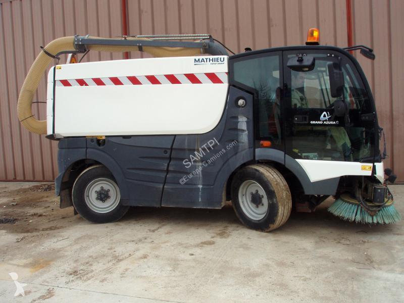 Veículo de limpeza / sanitário de estrada Mathieu