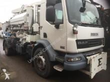 camión limpia fosas DAF