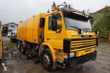 camión barredora Scania